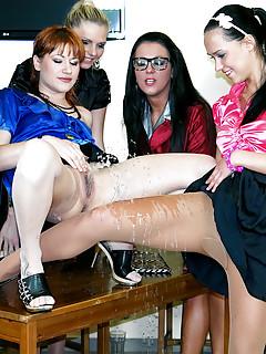 Lesbian Pissing Pics